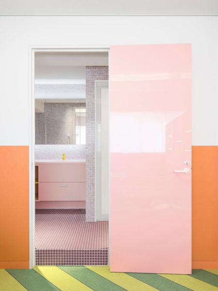 tokyo apartment bathroom