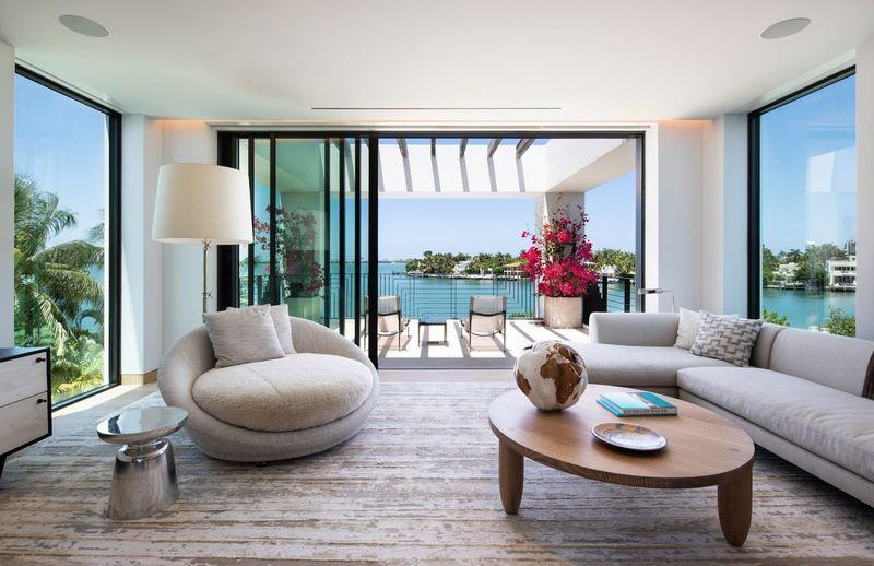 Miami Beach Spec Home Lists With $1 Million Aquarium