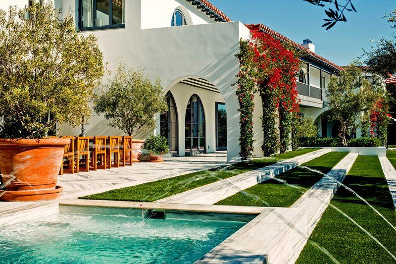 Lori Loughlin and Mossimo Giannulli sell the big house in Bel-Air