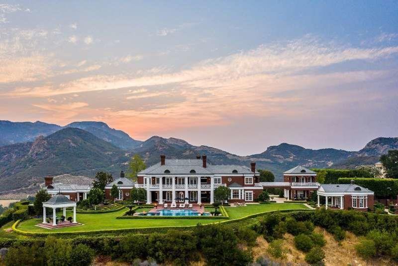 Wayne Gretzky Lists $23M California Home