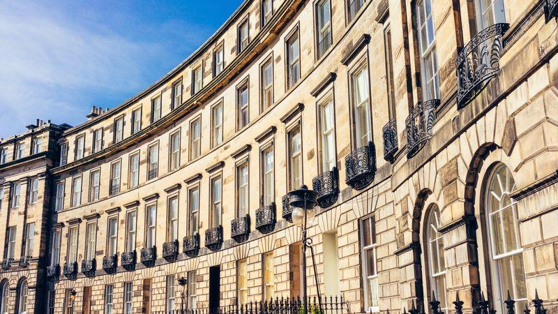 Curving Georgian frontage in Edinburgh's New Town