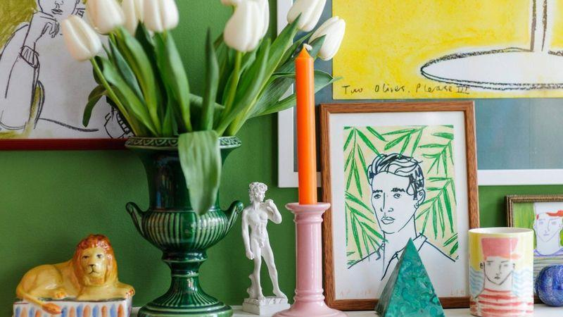 The Bloomsbury Group is a source of inspiration for Hall