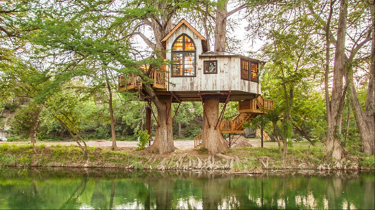 Picture of: Little Black Book Pete Nelson Treehouse Designer Ft Property Listings