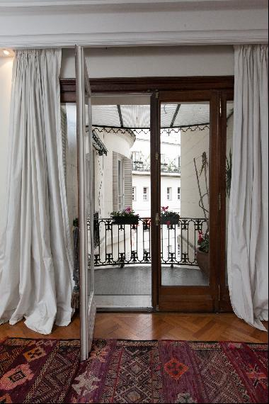Exceptional French apartment in Recoleta