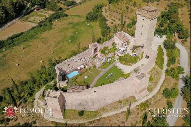 Umbria - BEAUTIFUL CASTLE, 5-STAR BOUTIQUE HOTEL FOR SALE IN ITALY