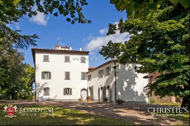 Tuscany - AREZZO: MANOR VILLA FOR SALE WITH PARK AND POOL