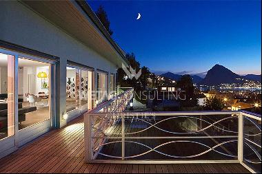 Luxurious villa for sale in Pregassona with lake views & ideal for families