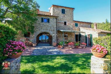 Tuscany - TUSCANY: LUXURY VILLA WITH PANORAMIC VIEW AND TENNIS COURT FOR SALE