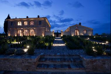 A Historical Luxury Villa, in the heart of the Tuscan countryside