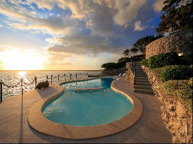 Villa Etrusca, a magnificent villa with an extraordinary view of the sea