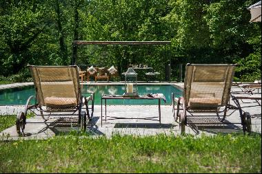 Villa Olivia, a lovely villa immersed in the greenery of the Tuscan countryside
