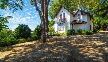 Sale of country house surrounded by garden, V. N. Famalicão, Portugal