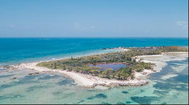 Hawk's Nest Cay, Great Harbour Cay
