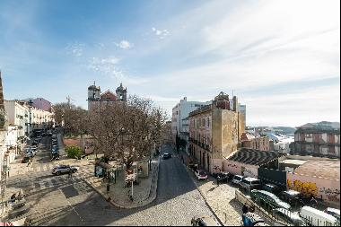 Majestic 5 bedroom apartment with river view, inserted in an historical palace of the six