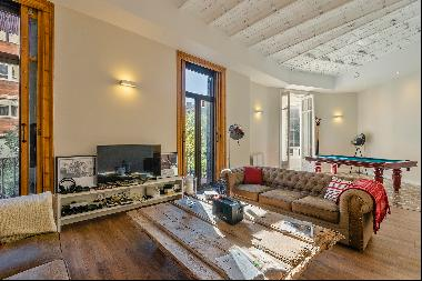 Majestic property in the right side of Eixample