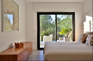 Luxury, Modern Villa With Beautiful Sea Views
