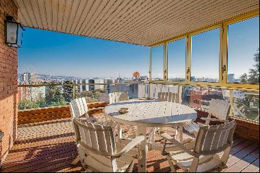 Exclusive high floor apartment with panoramic views in Pedralbes