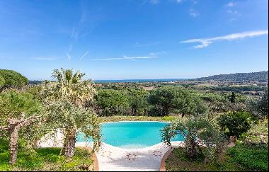 Charming provençal-style home for sale in Ramatuelle - Sea view.