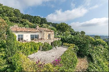 Close to Cannes - Provencal style villa with panoramic sea views