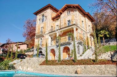 """Historical """"Art Nouveau"""" villa for sale in Curio with pool & beautiful garden"""