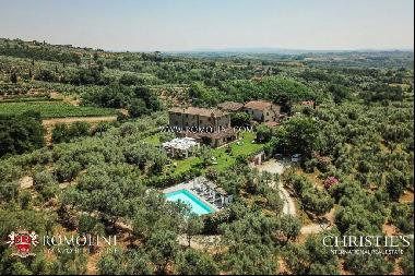 Tuscany - FARMHOUSE WITH WELLNESS CENTER FOR SALE NEAR FLORENCE