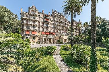 Bourgeois 1855 - 7 rooms - Top floor apartment panoramic sea view