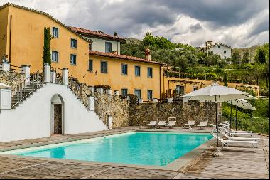 Luxury apartment in exclusive resort with historic villa on the hills of Lucca