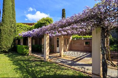 Romantic and modern Villa, between Lucca and the countryside