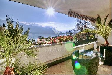 Spacious penthouse apartment in Ascona for sale with Lake Maggiore view