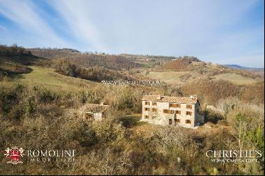 Umbria - COUNTRY HOUSE WITH PANORAMIC VIEW FOR SALE IN GUBBIO