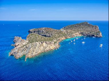 Enjoy one of the most privileged private islands in the Mediterranean Sea