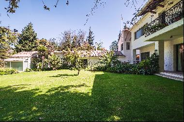 Excellent Spanish style house on large plot