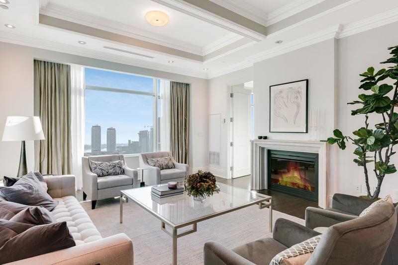 311 Bay Street, Suite 5203