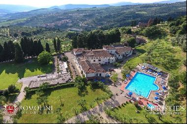 Tuscany - PRIVATE ESTATE WITH RENTAL BUSINESS AND FARM FOR SALE