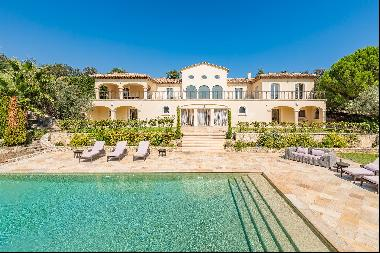 Grimaud - Magnificent property in the Golf de Beauvallon