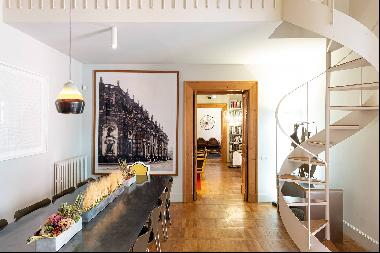Apartment with great charm in a noble palace