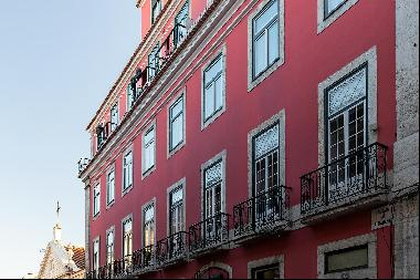 Apartment of the eighteenth century, located in Largo do Carmo, in the heart of Chiado, w