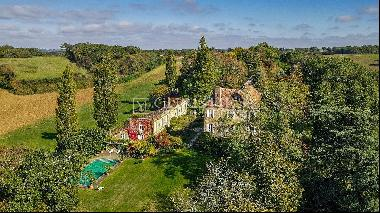 Stunning Chateau in private location, close to Aignan