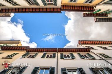 Florence - 3-BEDROOM APARTMENT FOR SALE IN THE HISTORIC CENTER