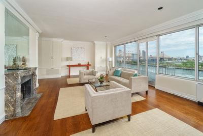 435 East 52nd Street, Unit 7A2