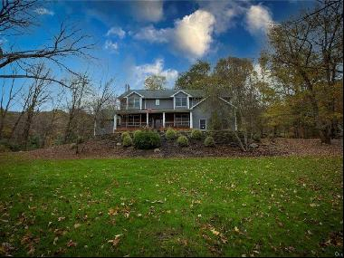 Beautiful Colonial On Historic Old Albany Post Rd