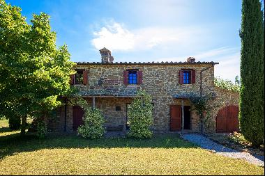 Magnificent cottage in the countryside of Arezzo