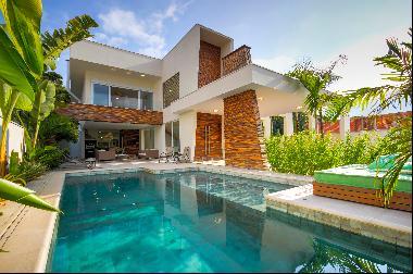 House with gourmet balcony