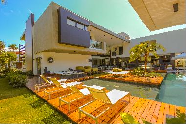 House with full leisure in a gated community
