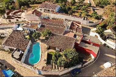 House, 7 bedrooms, for Sale