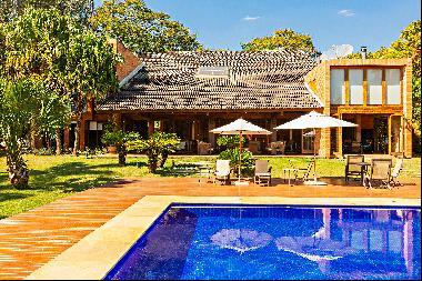 House designed by Arthur Casas Studio