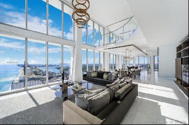 Ultra-luxury duplex with pristine oceanfront coastal views
