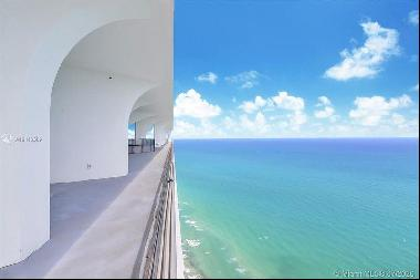 This appartement have the most beautiful PH. 360-degree views in Miami Beach