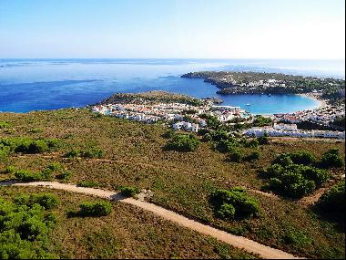 Plots in exclusive development of Coves Noves