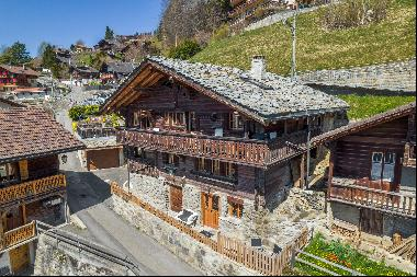 Authentic renovated chalet in the heart of the village of Gryon